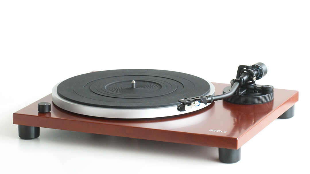 MMF-1.5 Manual Belt-drive Turntable With Built-in Phono Preamp